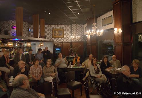 D66 Feijenoord Ronde Tafel Gesprek Vraagwijzer 13 april 2011 in Grand Café Rijnhaven